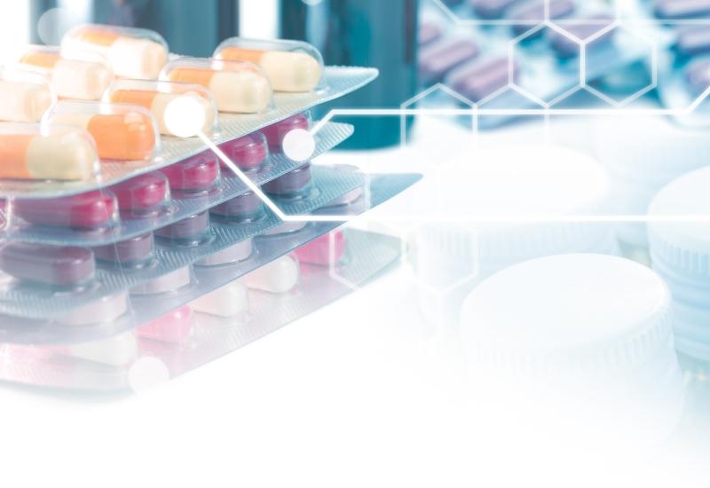 Farmaciile trebuie sa opteze intre CAS si OPSNAJ pana la 1 aprilie 2021